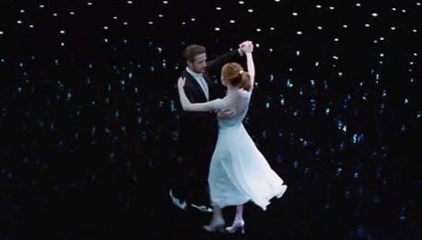 Increíble escena de baile en el planetario, un lugar que desde niño me ha parecido mágico